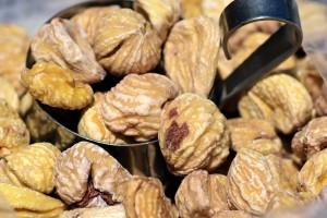 chestnut-2388454_1280